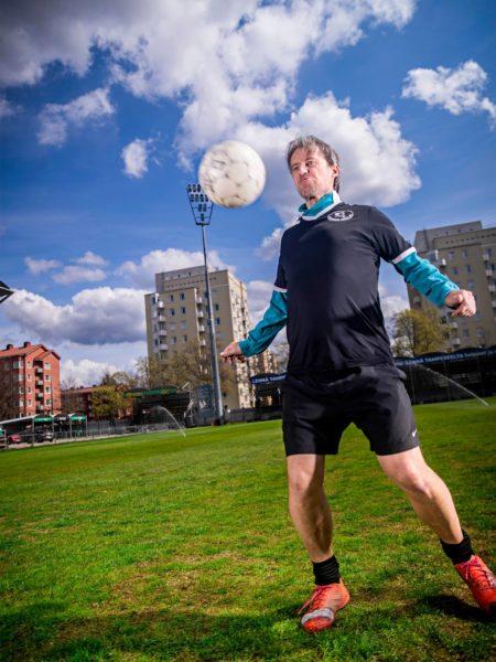 Tutkija Sami Kolamo Tammelan stadionilla Tampereella.