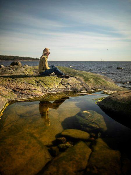 Sophia Jansson viettää paljon aikaa Pellingin saaristossa Porvoon edustalla.