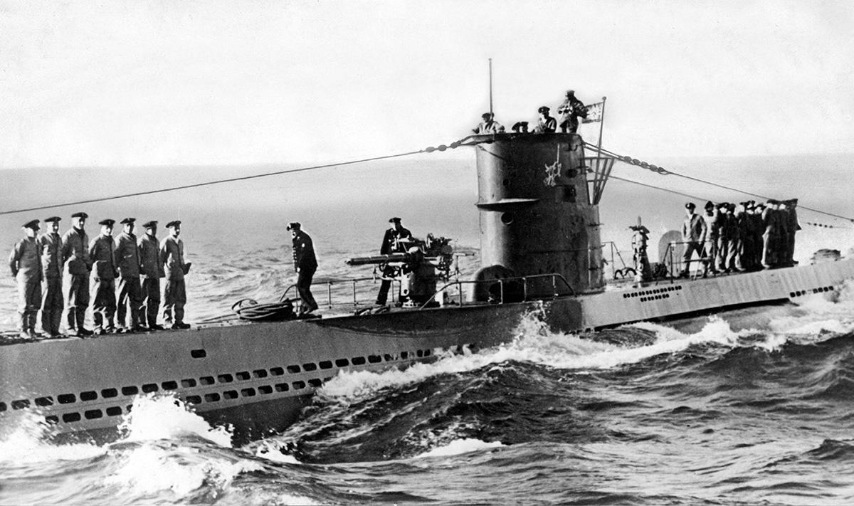 Günther Prienin U-47 palaamassa partiomatkalta.