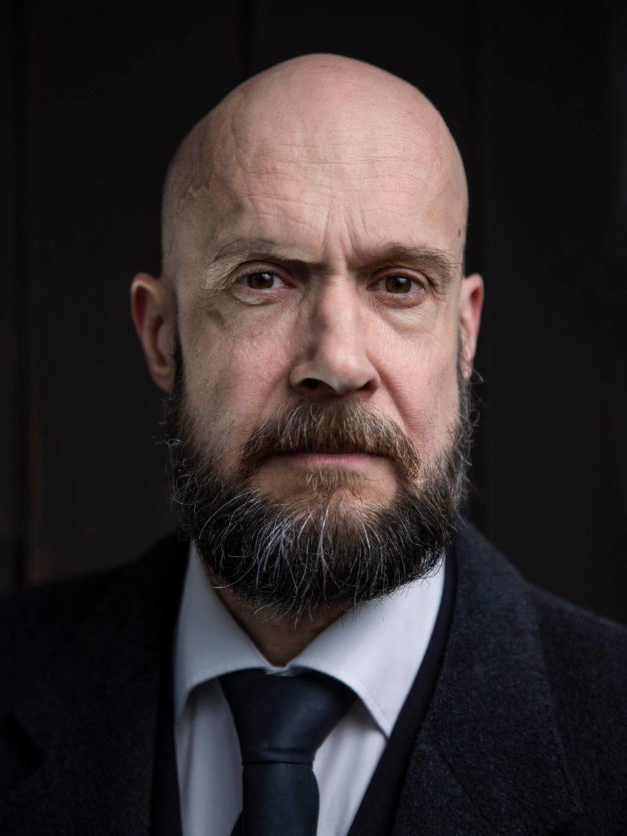 Viljami Puustinen on Akseli Gallen-Kallelan veljen Uno Gallénin tyttären pojanpoika.
