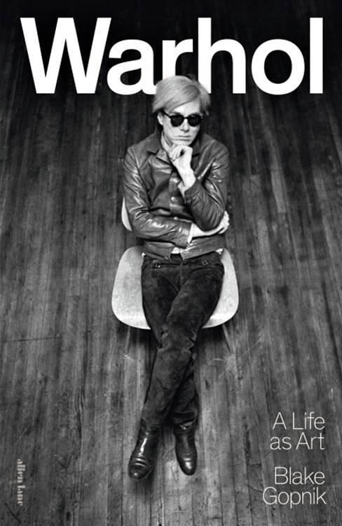 Blake Gopnik: Warhol. A Life as Art. 961 s. Allen Lane, 2020.
