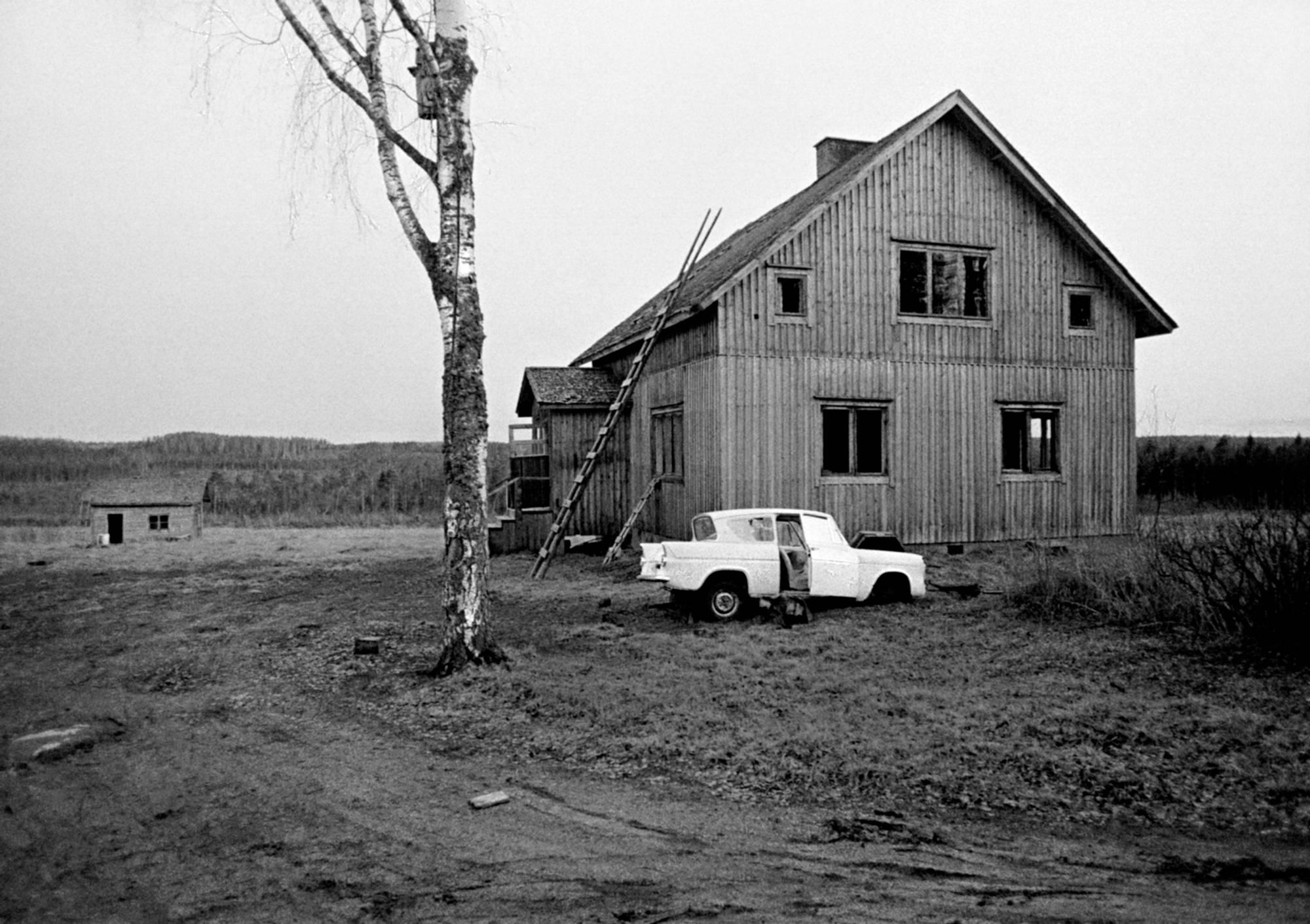 Ben Kaila: Siirtosuomalainen (kuva sarjasta). Tuupovaara, 1973.