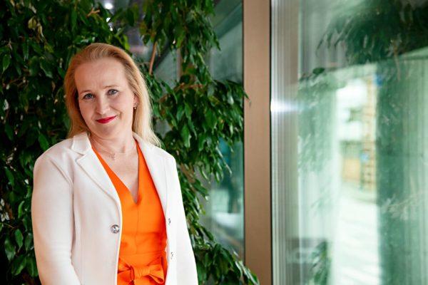 Minna Helle työskenteli ennen nykyistä Teknologiateollisuuden työmarkkinajohtajan pestiään valtakunnansovittelijana.