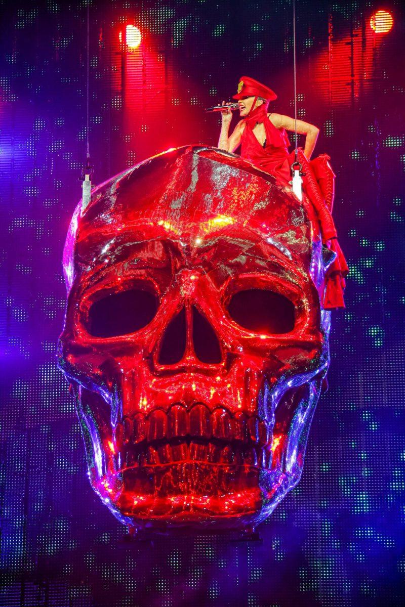 Kylie Minogue lavalla.