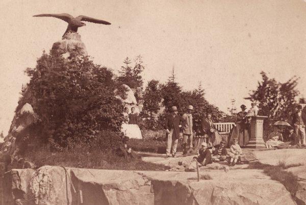 Patruuna Wilhelm von Nottbeck perheineen Tampereen Kotkankalliolla vuonna 1866.
