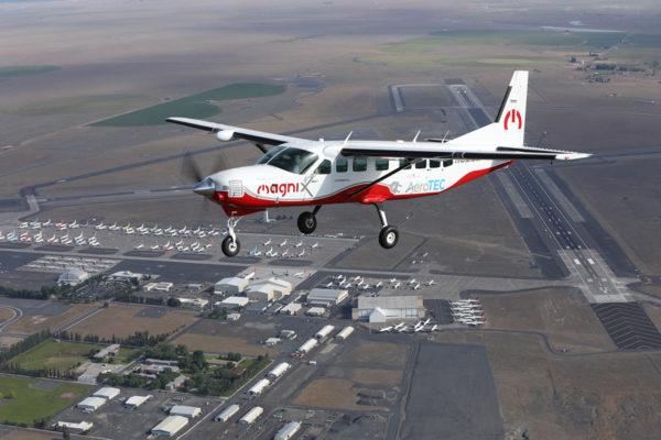 Toistaiseksi suurin pelkästään sähköä voimanlähteenään käyttänyt lentokone on yhdeksänpaikkainen. Alun perin polttomoottorikäyttöisen Cessna Caravanin muuntamisesta sähkötoimiseksi vastasivat Magnix ja Aerotec -yritykset.
