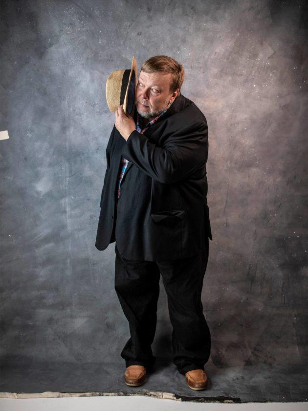 Markus Leikola on yhä tuttu tv:stä: entinen toimittaja on tietovisan Besserwisser ja paneelishow'n jossittelija.