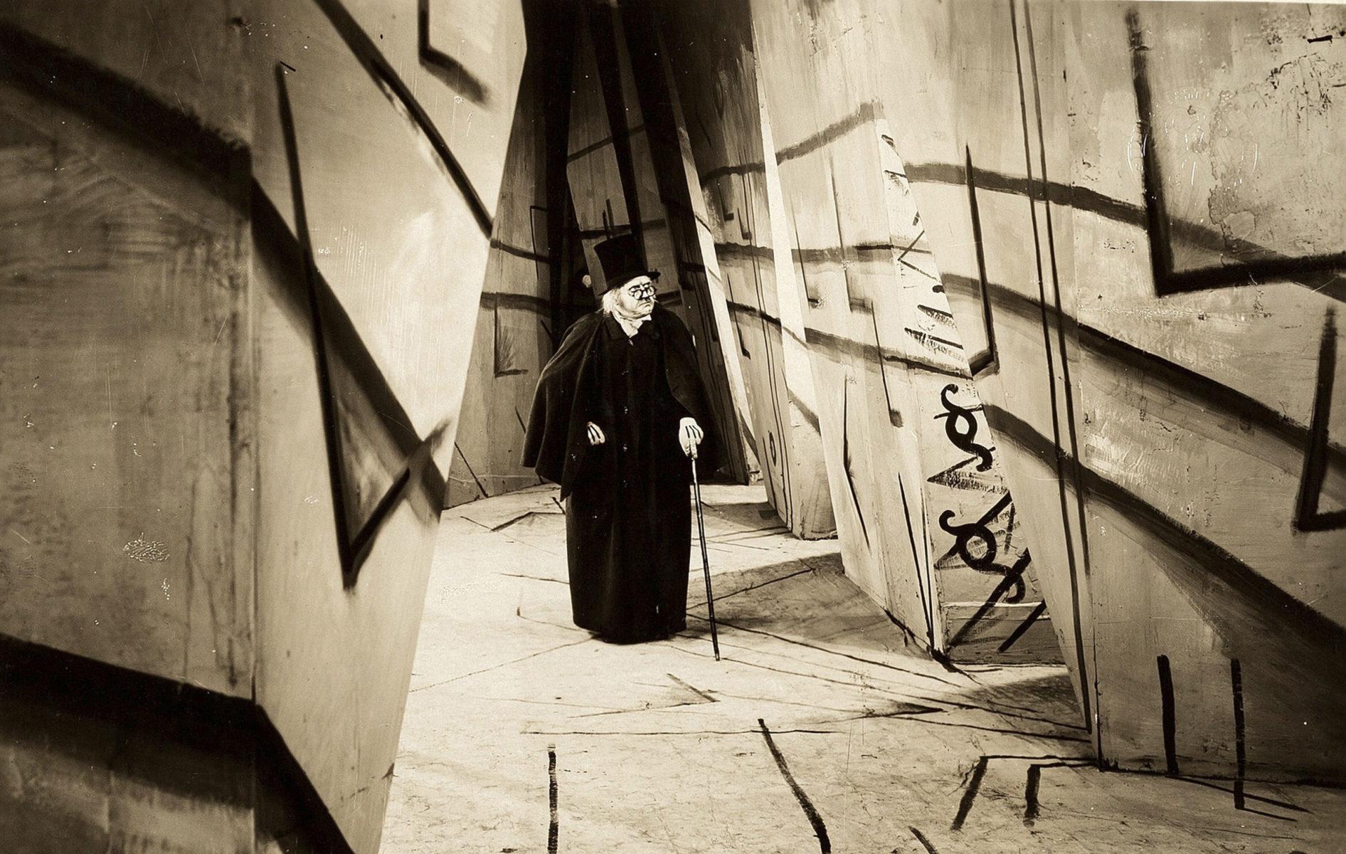 Tohtori Caligarin kabinetti. Ohjaus: Robert Wiene (1920).