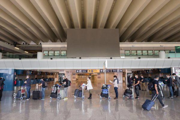 Rooman Fiumicinon lentokenttä kesäkuussa.