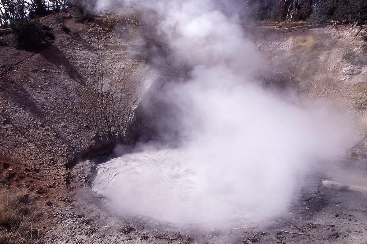Yellowstonen kansallispuisto Yhdysvalloissa tunnetaan vulkaanisista lähteistään.