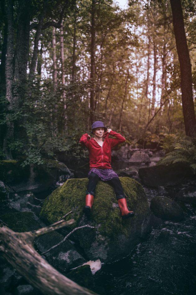 Kirjailija Anni Kytömäki on sijoittanut kirjojensa tekijäpalkkiot metsään.