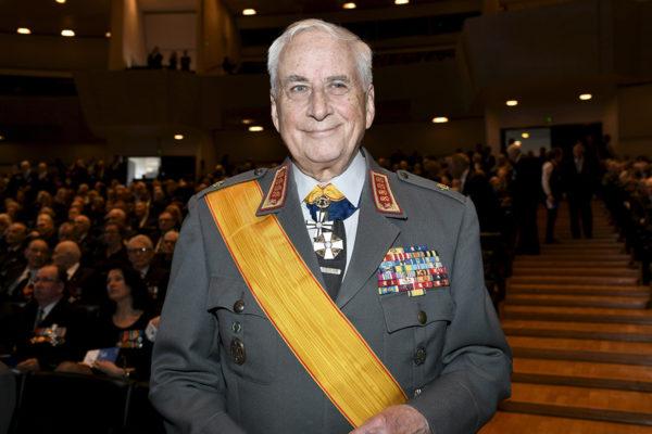 Puolustusvoimain entinen komentaja kenraali Gustav Hägglund.