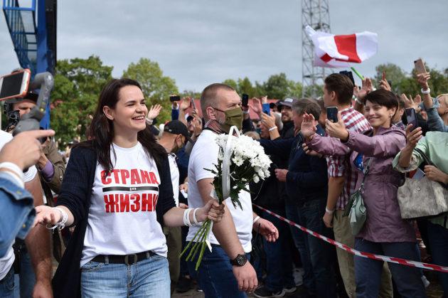 Opposition pääehdokas Svjatlana Tsihanouskaja vaalitilaisuudessa 31. heinäkuuta.