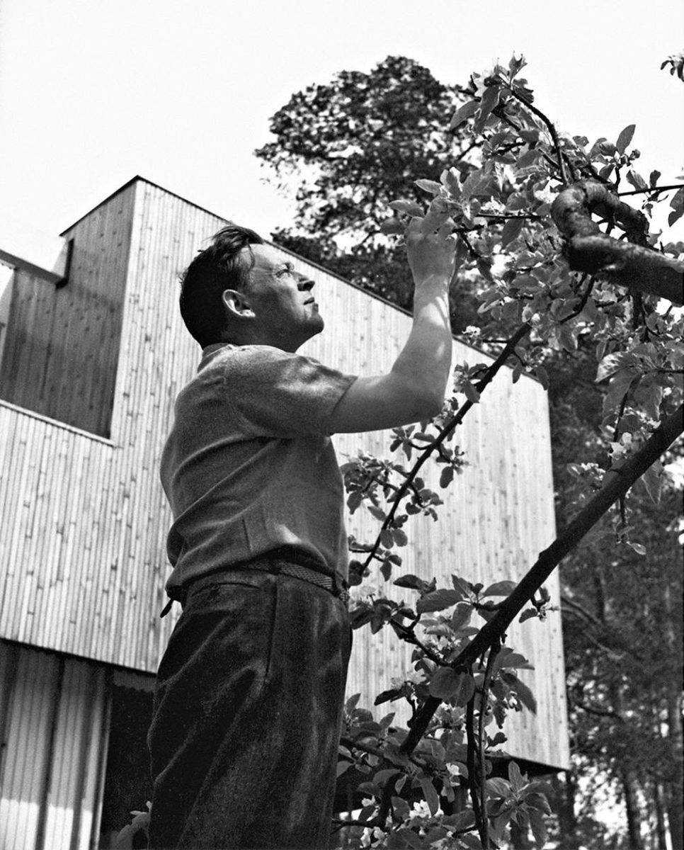 Alvar Aalto kotipihallaan.