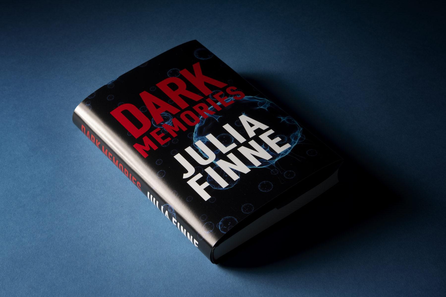 Julia Finne on pseudonyymi.