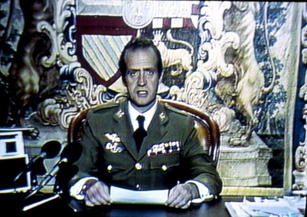 Kuningas vetosi kansaan tv-puheessaan, jonka piti sotilasvallankaappauksen aikaan 1981.