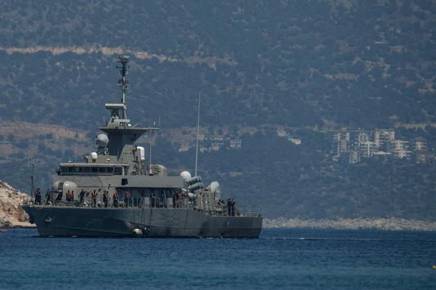 Kreikkalainen sota-alus Kastellorizon saaren edustalla elokuussa 2020.