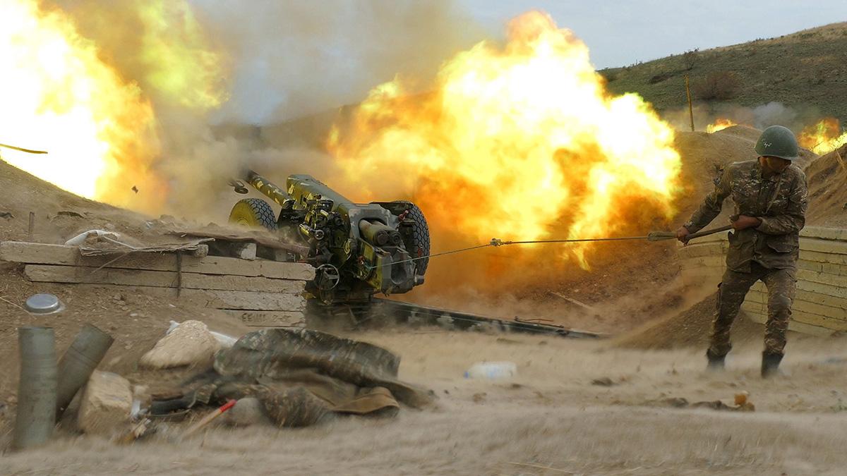 Vuoristo-Karabahin asevoimien tykistö tuliti Azerbaidžanin armeijan asemia 4. lokakuuta.