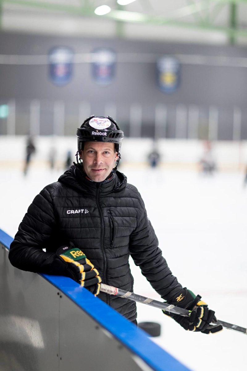 Icehearts-kasvattaja Arto Tukio jäähalli Sentterissä Tampereella.