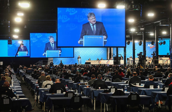 AfD:n puheenjohtaja Jörg Meuthen puhui puoluekokouksssa Kalkarissa 28. marraskuuta.