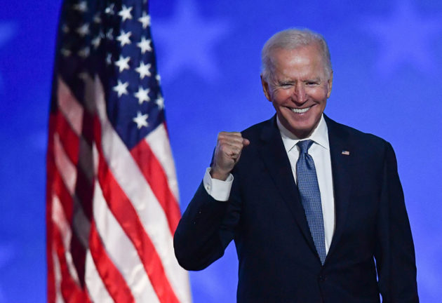 Joe Biden tervehti kannattajiaan Delawaren Wilmingtonissa 4. marraskuuta.