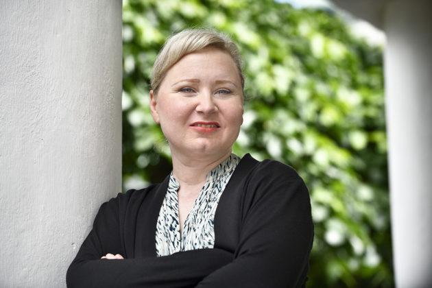 Kirjailija Saana-Maria Jokinen.