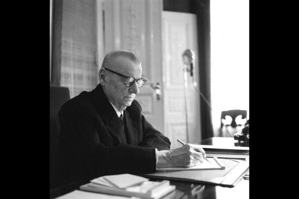 Presidentti J.K. Paasikivi marraskuussa 1955.