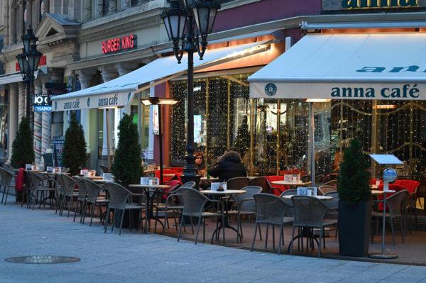 Budapestin kahviloissa oli hiljaista 10. marraskuuta 2020.