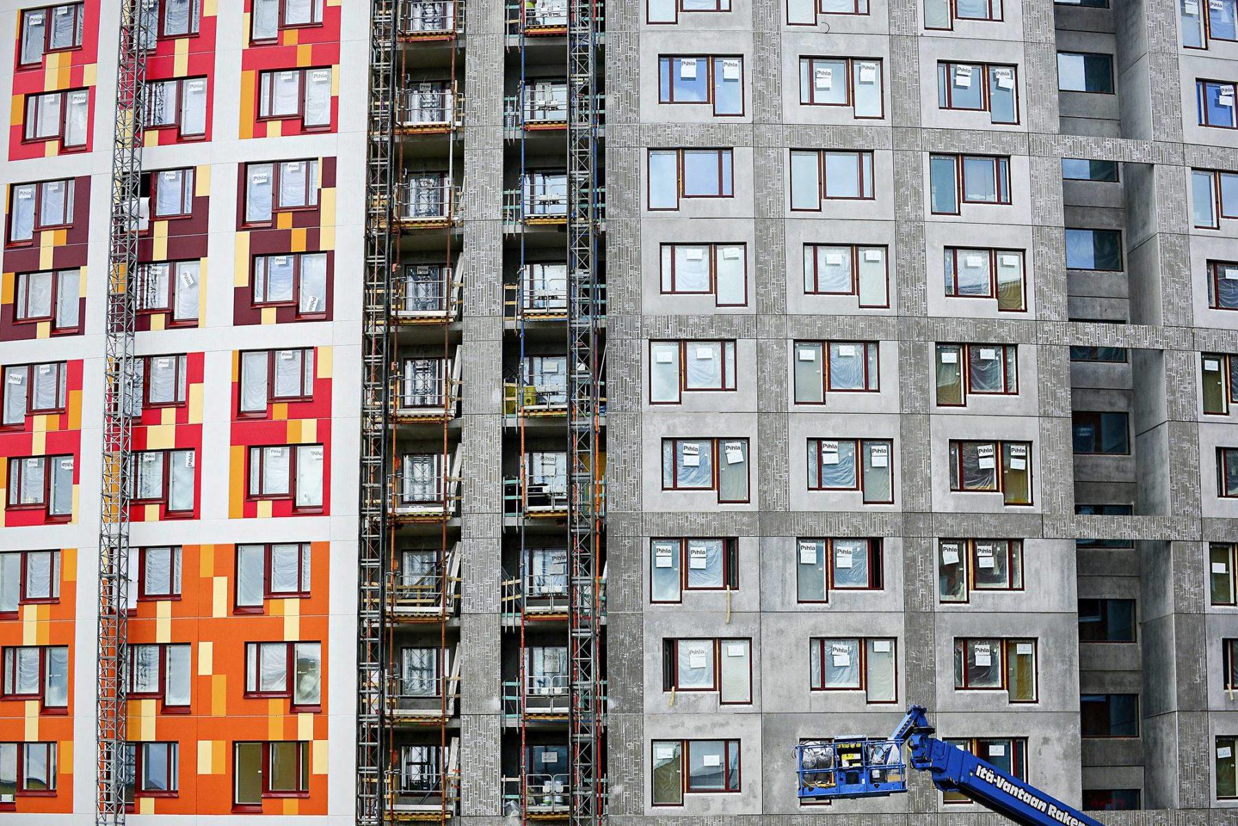 Vantaalla Kivistön kaupunginosassa rakennettiin asuinkerrostaloa heinäkuussa 2019.
