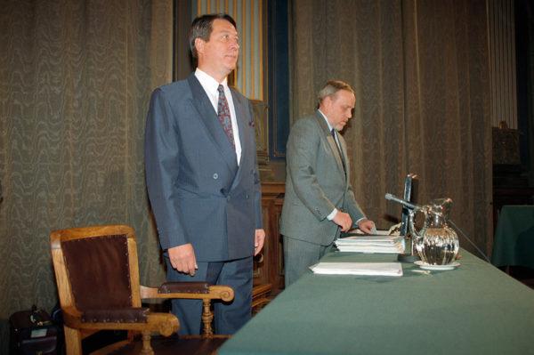Ministeri Kauko Juhantalo tuomittiin valtakunnanoikeudessa vuonna 1993. Tuolloin perustuslakivaliokunta kannatti syytteen nostamista yksimielisesti.