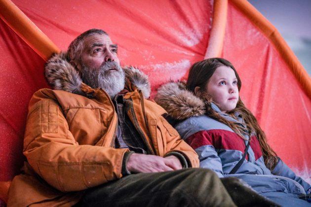 Augustine (George Clooney) ja Iris (Caoilinn Springall).