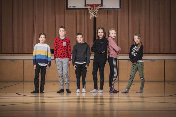 Neljäsluokkalaiset Toivo Tuominen, Miki Mäkeläinen, Ruslan Haapalainen, Unna Holm, Neve Leppänen ja Essi Vuoristo käyvät Myllymäen koulua Lappeenrannassa.