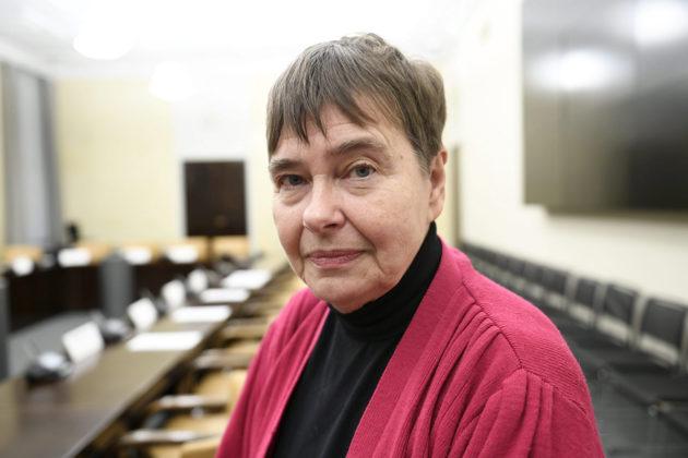 Professori Terttu Utrianen eduskunnan lakivaliokunnan julkisessa kuulemisessa Helsingissä 17. lokakuuta 2019. Julkisen kuulemisen
