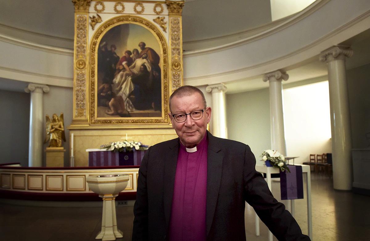 Emerituspiispa Eero Huovinen.