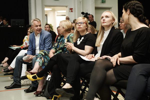 Vihreiden väistyvää ja tulevaa puoluejohtoa kesän 2019 puoluekokouksessa Porissa.