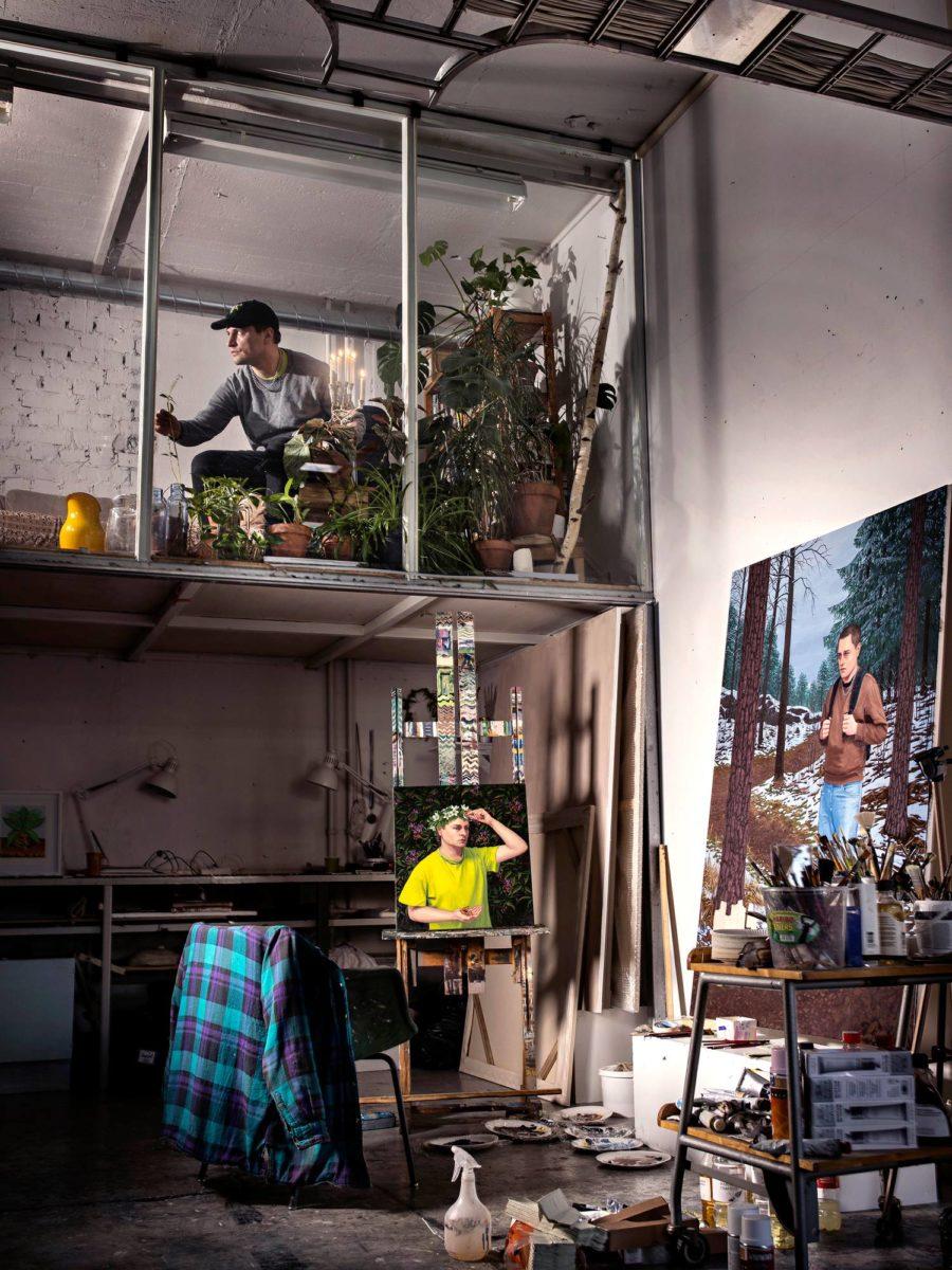 Joel Slotte työhuoneellaan Vallilan taiteilijatalossa Helsingissä.