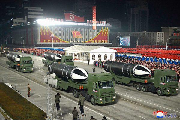 Tammikuisessa sotilasparaatissa esiteltiin sukellusveneestä laukaistavia Pukguksong-5-ohjuksia.