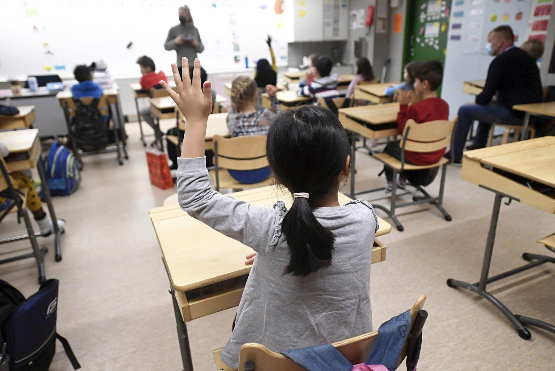 Professorin mukaan kouluissa pitäisi purkaa stereotypioita oppilaiden vahvuuksista.