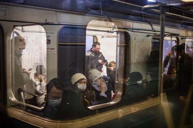 Moskovan metrossa on testattu kasvojentunnistustaparin vuoden ajan. Pian myös lipun ostaminen onnistuu kasvojentunnistuksella.