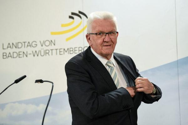Winfried Kretschmannin johtamat vihreät säilyttivät suurimman puolueen asemansa Baden-Würtembergin osavaltiossa.