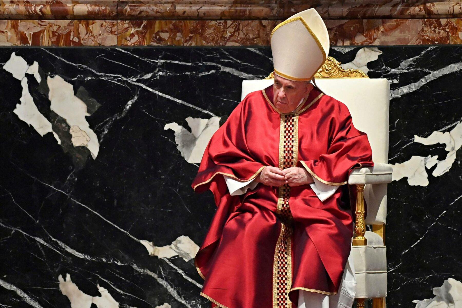 Paavi Franciscuksen kautta kulkeneessa kirjeessä perusteltiin homoparien siunauskieltoa.