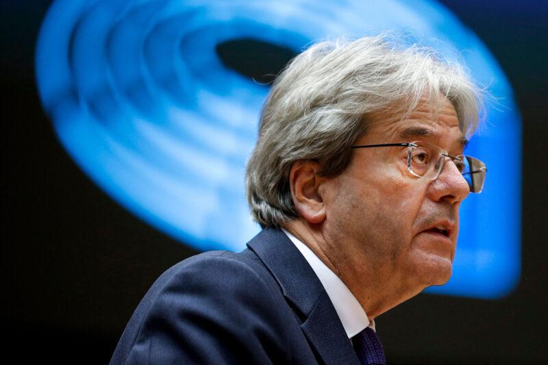 Talouskomissaari Paolo Gentiloni Brysselissä 18. toukokuuta 2021.