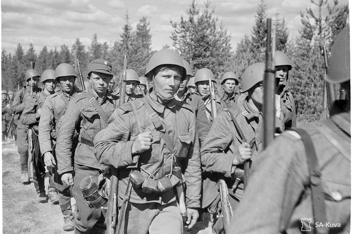 Suomen joukkoja matkalla rajalle. Vasonvaara 1. heinäkuuta 1941.