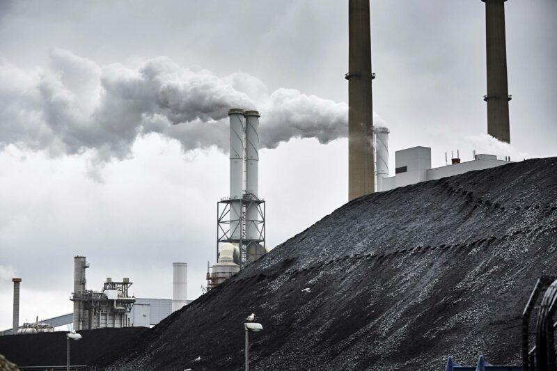 Uniperin hiilivoimala Maasvlakte 3 sijaitsee Rotterdamin satamassa Hollannissa.