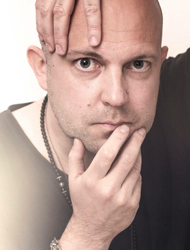 Korona teki kitaristi Mikko Kososesta kansalaisvaikuttajan.