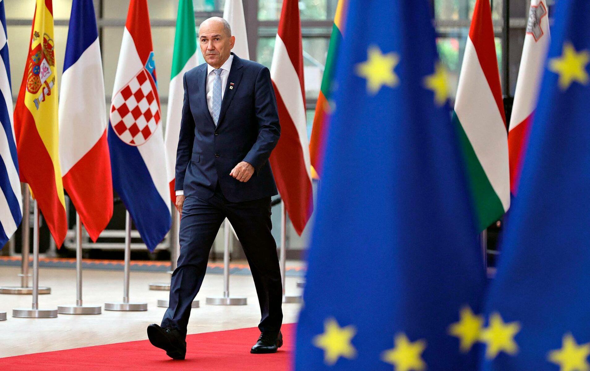 Pääministeri Janez Janša saapui EU-kokoukseen Brysselissä 25. toukokuuta 2021.