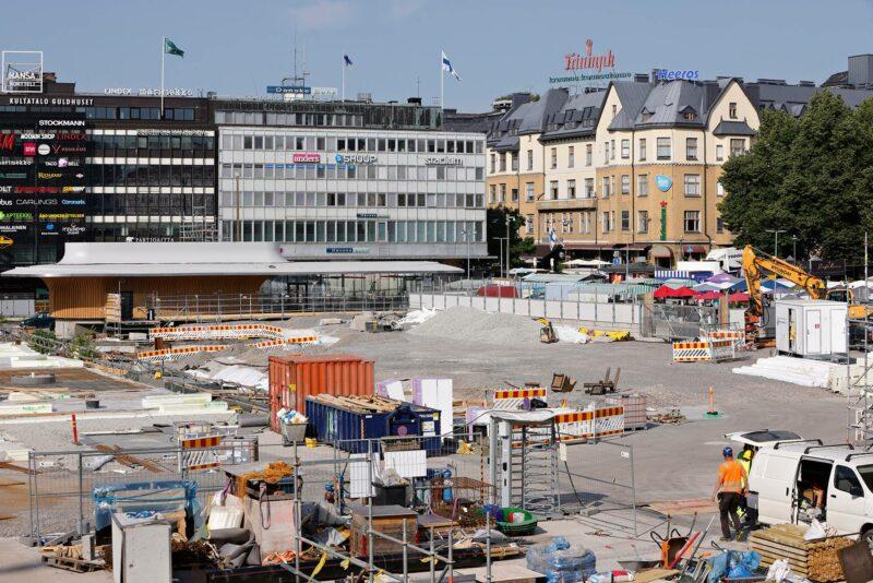 Julkisissa hankinnoissa esimerkiksi ilmastovaikutukset häviävät usein hinnalle. Raha ratkaisi silloinkin, kun Turku tilasi uuden Kauppatorin päällystykseen tarkoitetut kivet Kiinasta.
