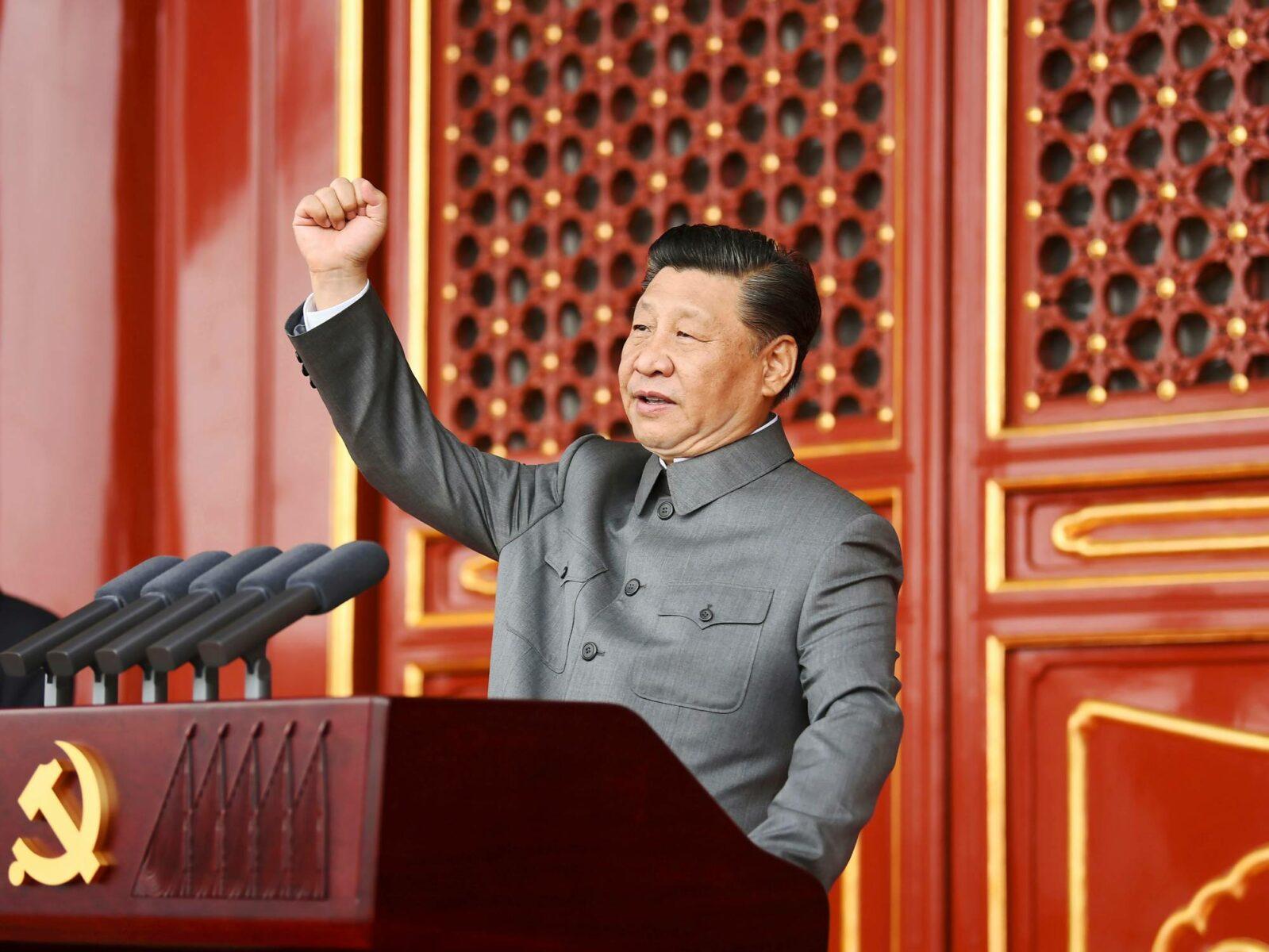 Presidentti Xi Jinping puhumassa Kiinan kommunistisen puolueen satavuotisjuhlassa.