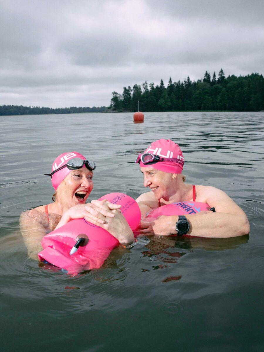 Jana Rehnillä ja Kirsi Juntusella on ikäeroa kymmenisen vuotta, mutta he tapasivat viisi vuotta sitten triathlonin kautta. Kummallakin oli eron jälkeen samankaltainen elämäntilanne.