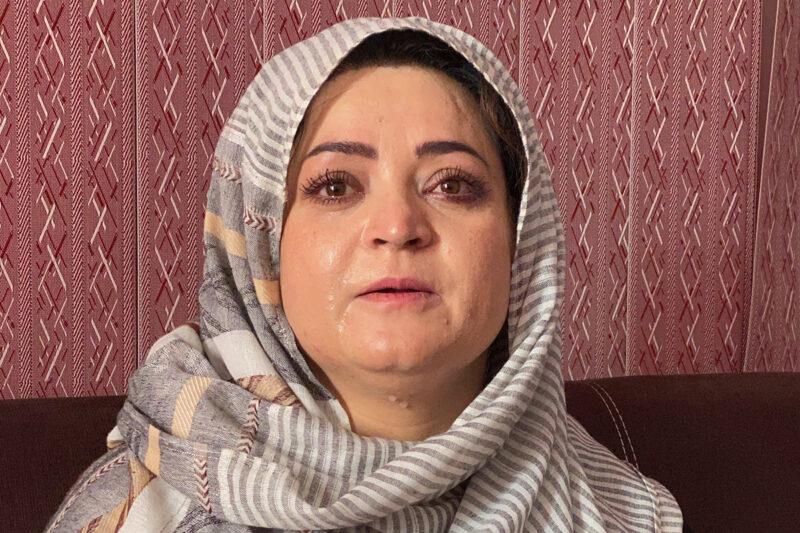 Suomalaisten kouluttama toimittaja Najia Kabulissa syyskuun alkupuolella.